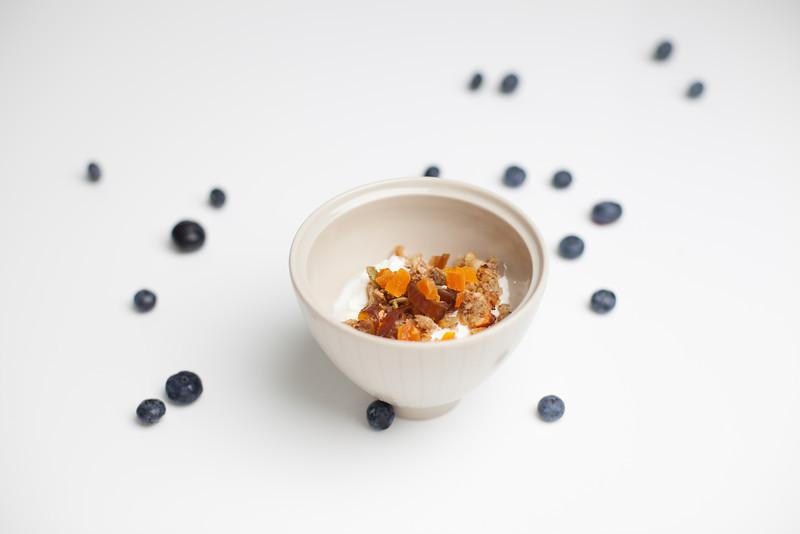 QUTN, Breakfast in Bed: Muesli and Yoghurt.