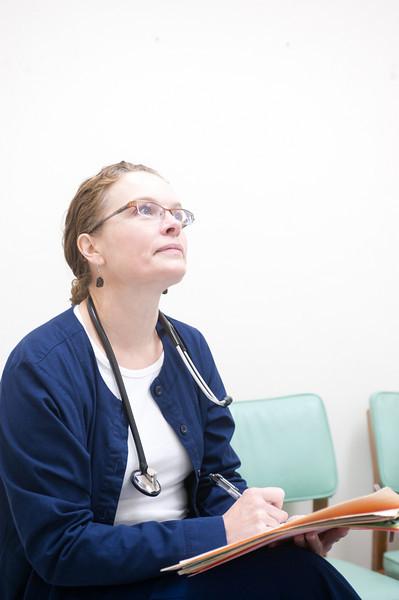 12_14_10_st_ann_clinic-00166.jpg