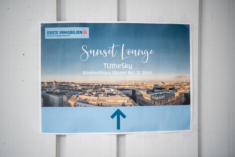 ERSTE Immobilien - Sunset Lounge