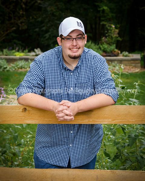 Zack De Schon senior portraits