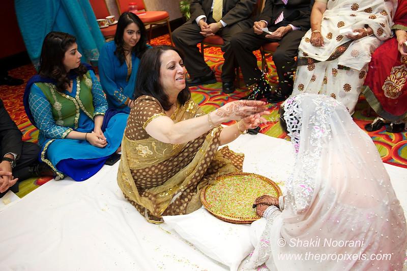 Naziya-Wedding-2013-06-08-01931.JPG