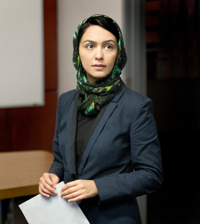 . Nazanin Boniadi as Fara in Homeland (Season 3, Episode 2). - Photo:  Bob Leverone/SHOWTIME