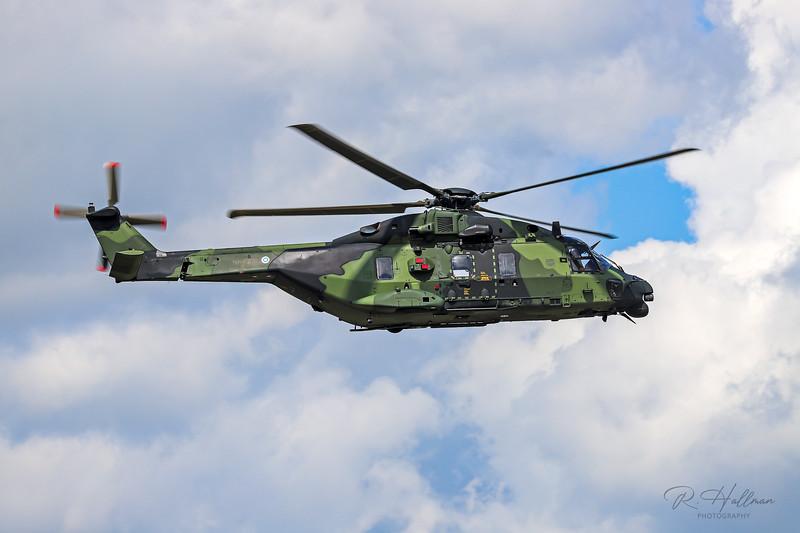 NH90_8_signed.jpg