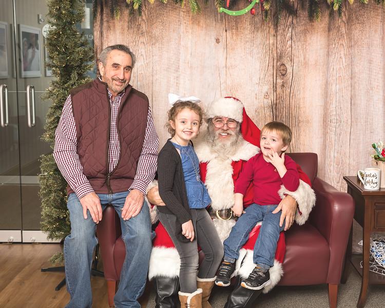 Ameriprise-Santa-Visit-181202-4909.jpg