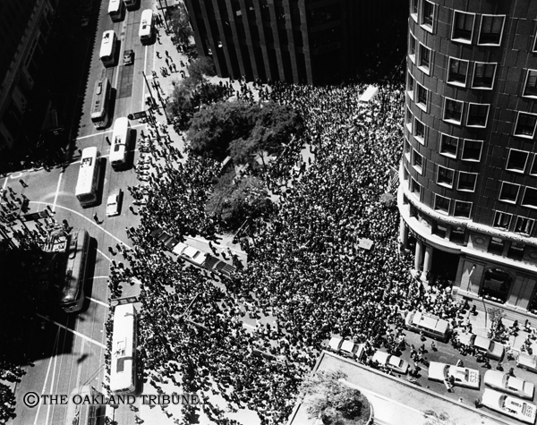 . San Francisco, CA June 2, 1976 - A rally for Jimmy Carter stops traffic at Montgomery and Market Streets. (Robert Stinnett / Oakland Tribune Staff Archives)