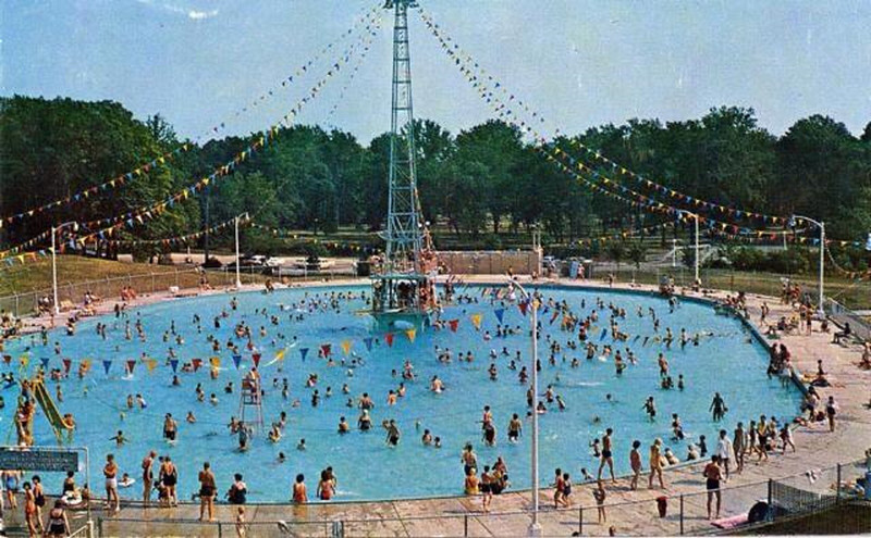 Crystal Lake Pool