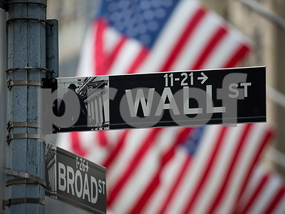 wall-street-analyst-notes-bold-and-funny-are-in-boring-and-safe-are-out