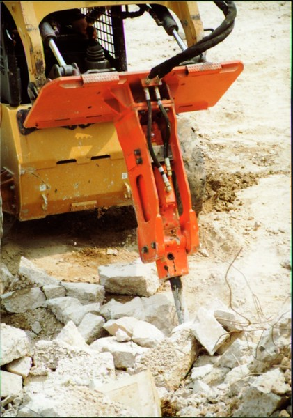 NPK E203 hydraulic hammer on Cat skid steer (Carr Bros 7-23-01) (11).JPG