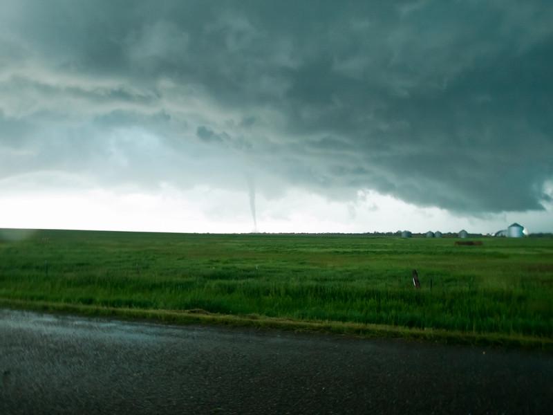 Tornado roping out