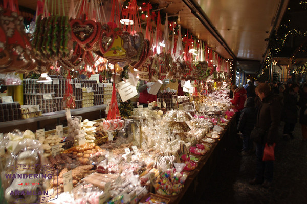 A typical shopping booth at the Mainz Christmas Market