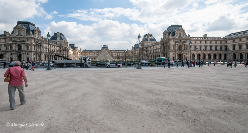 View from a distance of the vastness of the Louvre