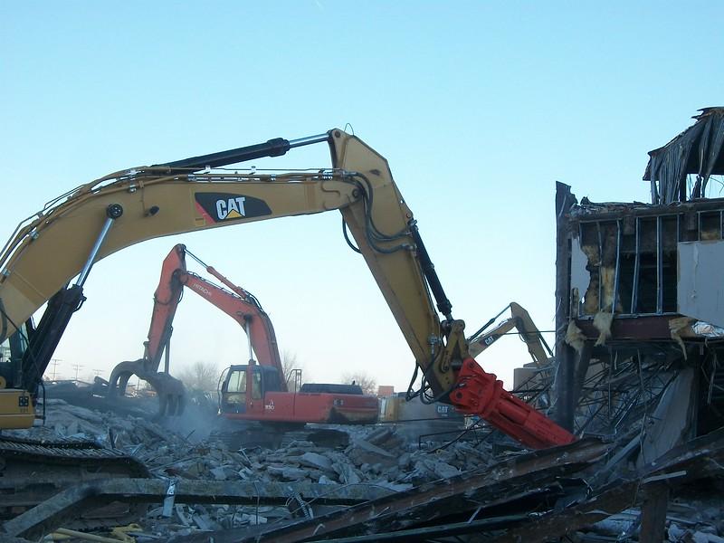 NPK M38K demolition shear on Cat excavator-commercial demolition (2).JPG