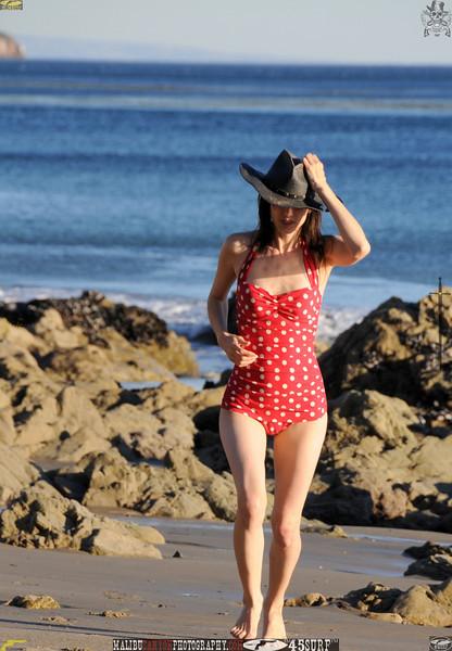 matador swimsuit malibu model 1216..00.jpg