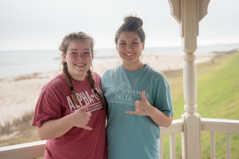 Hannah Wright (left) and Andrea Garcia during the 2017 Islander Spring Clean event.
