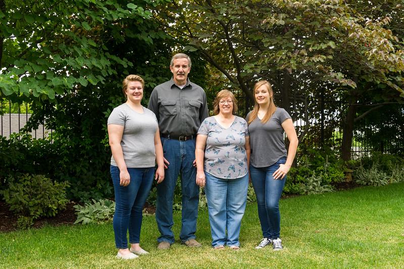 AG_2018_07_Bertele Family Portraits__D3S3847-2.jpg