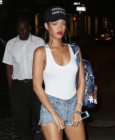 2013-09-04 - Rihanna