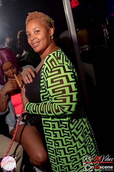 GAL FARM THURSDAYS PRESENTS IT'S GLOW NEON EDITION-184.jpg