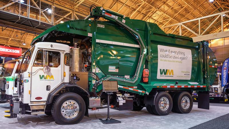 Waste Management Peterbilt 520 McNeilus Contender Front Loader