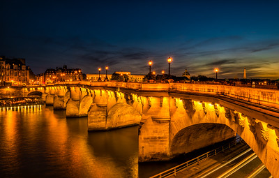 Green sunset on Pont Neuf