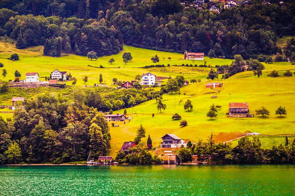 瑞士卢塞恩(Lucerne),山坡上的民居