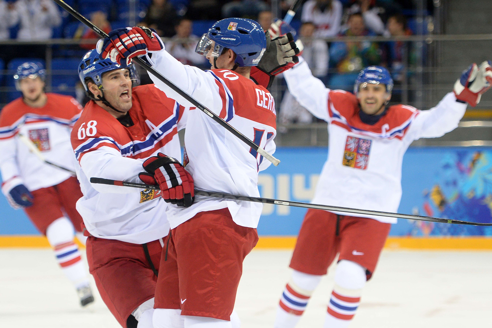 . Czech Republic\'s Roman Cervenka and Czech Republic\'s Jaromir Jagr celebrate a goal during the Men\'s Ice Hockey Play-offs Czech Republic vs Slovakia at the Shayba Arena during the Sochi Winter Olympics on February 18, 2014.   (JUNG YEON-JE/AFP/Getty Images)
