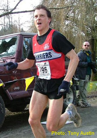 2004 Mill Bay 10K - Master's winner Kelvin Broad with a superb 32:27