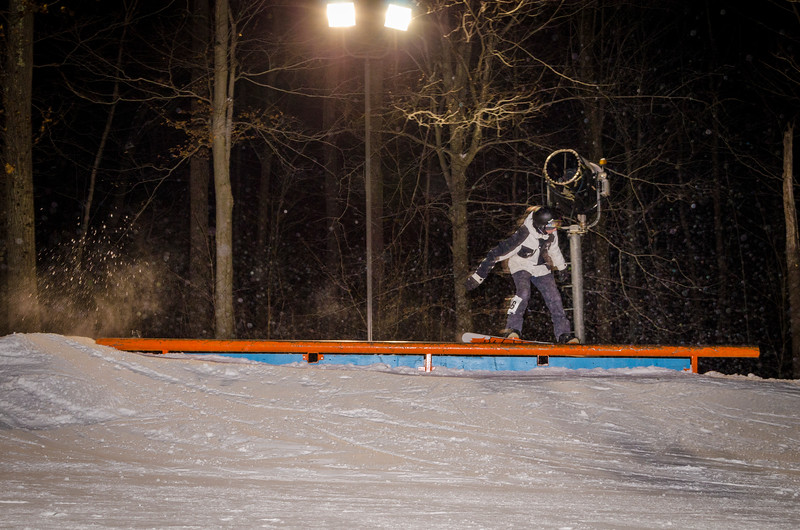Nighttime-Rail-Jam_Snow-Trails-86.jpg