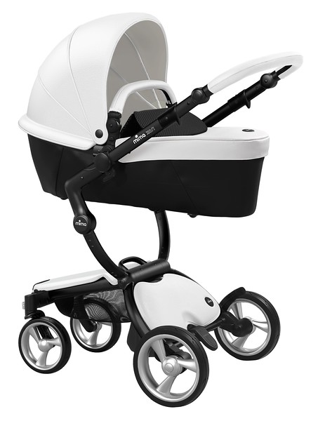 Mima_Xari_Product_Shot_Snow_White_Black_Chassis_Black_Carrycot.jpg