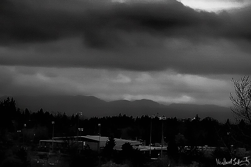 Valley sky 3.1 8black&whitei 2018.jpg