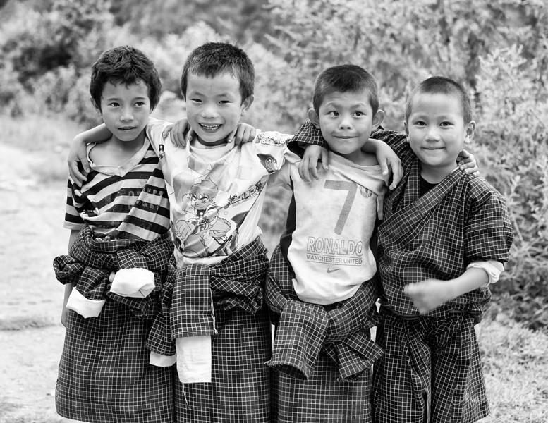 punakha-dzong_chorten-nebu_20120918_9250.jpg