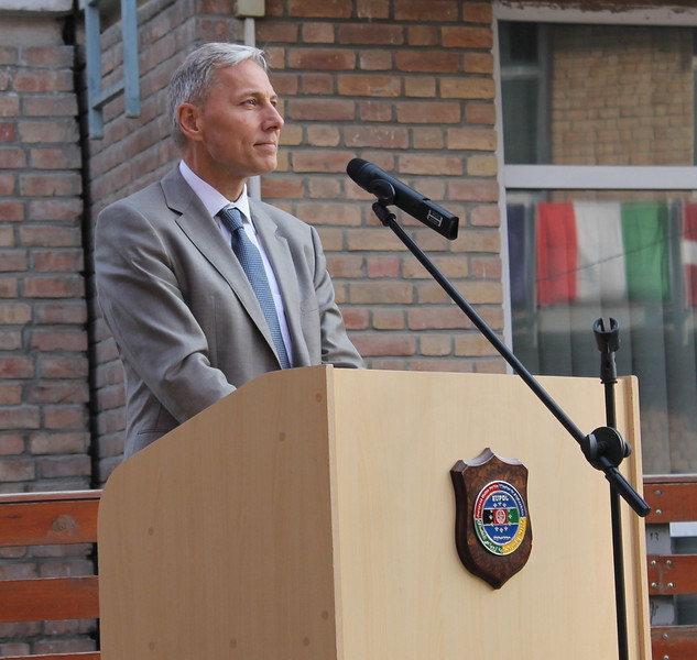 20131023 EUSR Press Release - We are here for the Afghan people - Photo 1.jpg