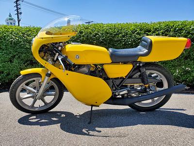Yamaha RD400 (JW) on IMA
