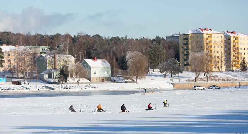 icefishing-1.jpg