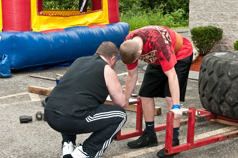 Fitness Revolution Strongman Challenge 2011_ERF3838.jpg
