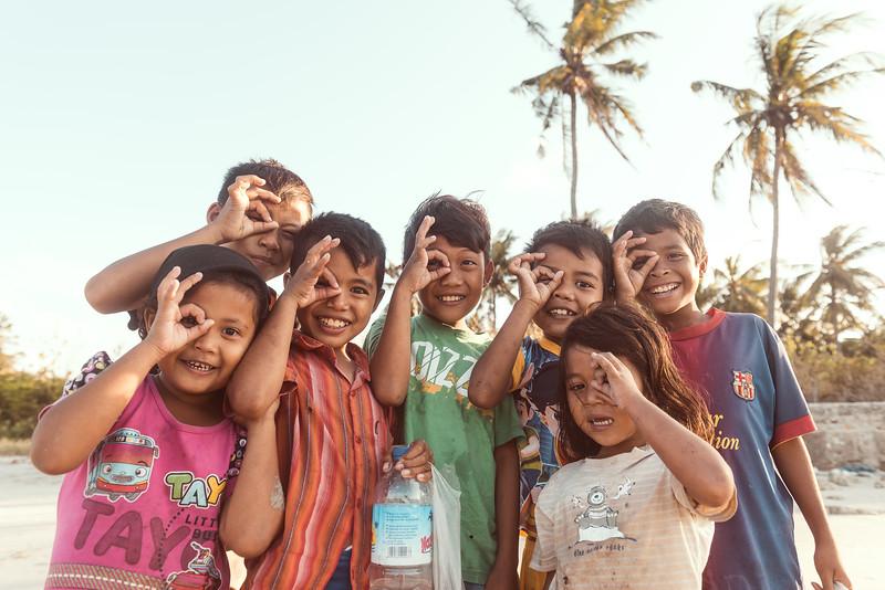 Beach Kids 3 x 2.jpg