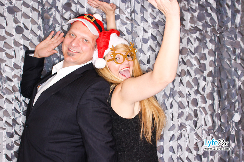red-hawk-2017-holiday-party-beltsville-maryland-sheraton-photo-booth-0149.jpg