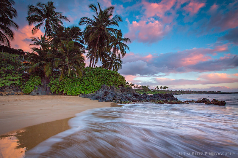 Sunset on Po'olenalena Beach in Makena, Maui