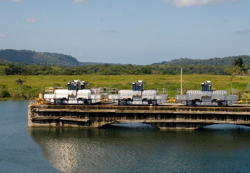 Panama Canal-17.jpg