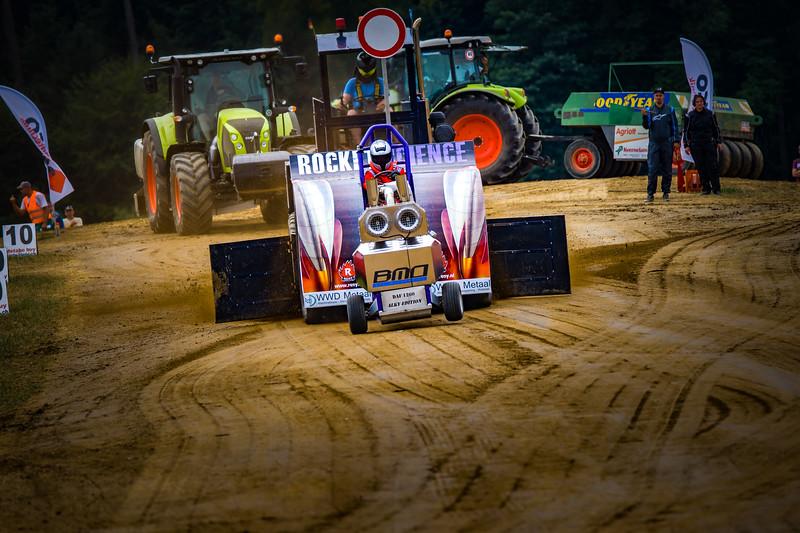 Tractor Pulling 2015-02322.jpg