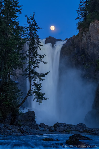 The Falls of the Moon