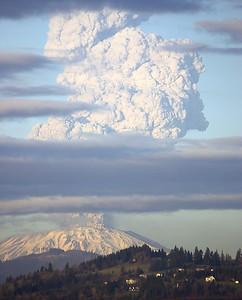Mount St. Helens Eruption (March 8, 2005)