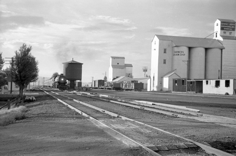 UP_4-8-2_7034-with-Train-34_Downey-Idaho_May-30-1948_001_Emil-Albrecht-photo-0236-rescan.jpg