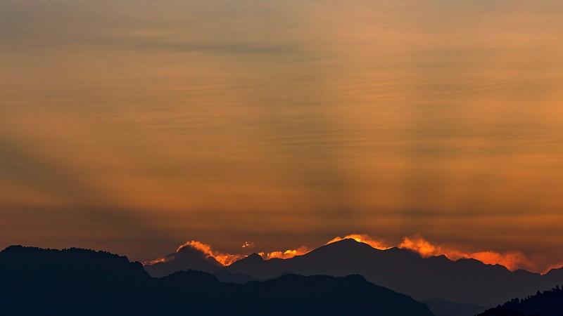 Sunrise Rays, Himalayas_HI