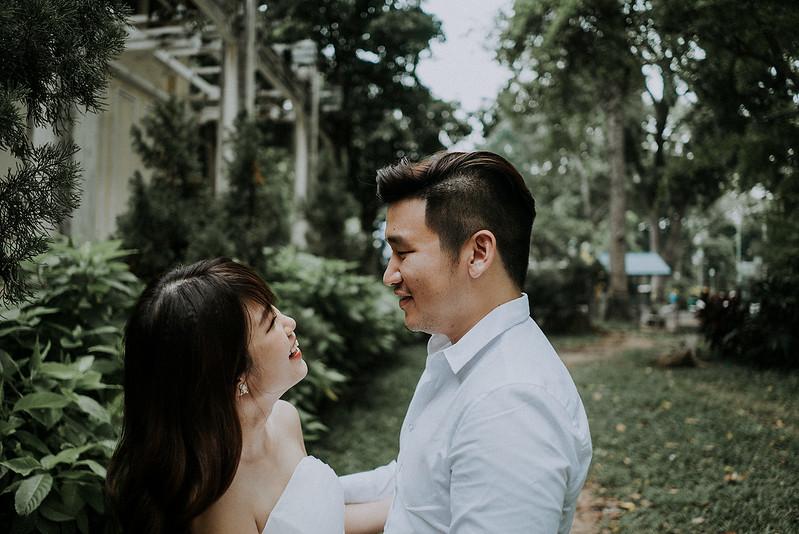 Tu-Nguyen-Destination-Wedding-Photographer-Saigon-Engagement-Shooting-Vietnam-Videographer-25.jpg