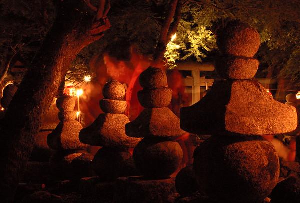 Remembering the Dead 京都化野念仏寺供養