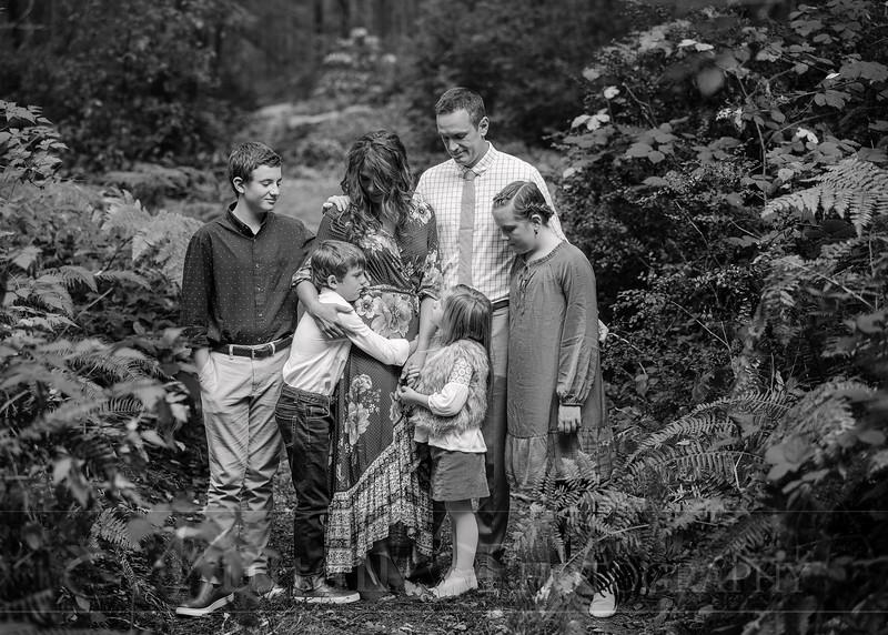 May Family 44bw.jpg