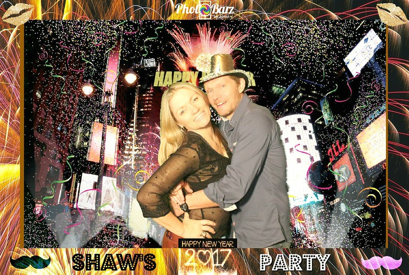 Shaws NYDay Party (14).jpg