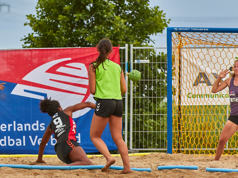 Molecaten NK Beach Handball 2017 dag 1 img 606.jpg