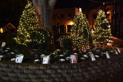 12-24-19 Christmas Luminarias
