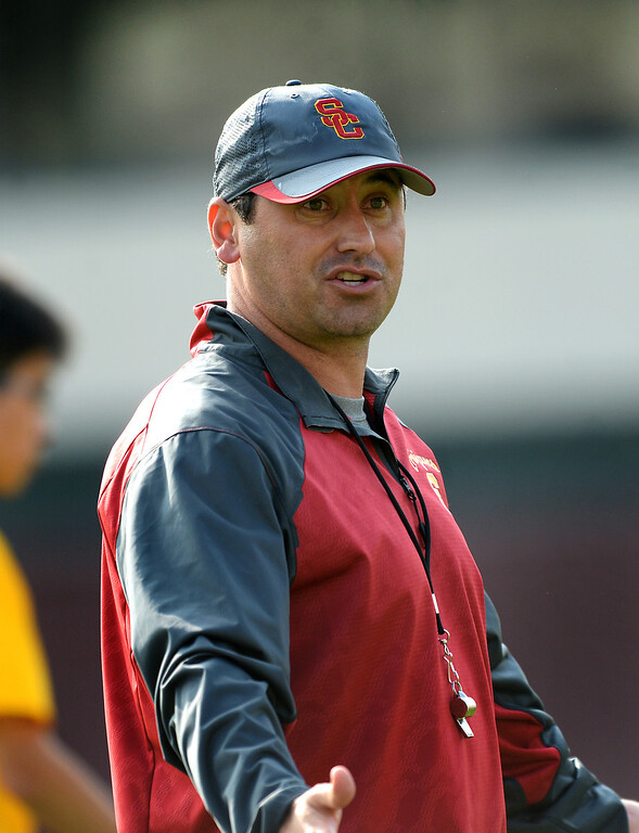 . USC head coach Steve Sarkisian gives instructions during practice, Tuesday, March 25, 2014, at USC. (Photo by Michael Owen Baker/L.A. Daily News)